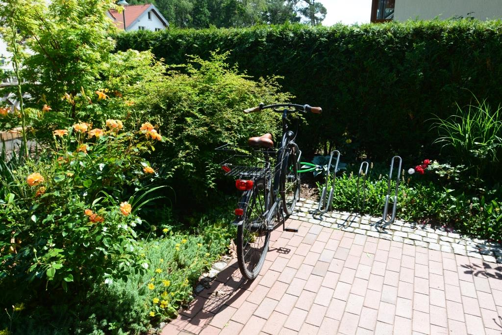 Fahrrad-Stellplatz der Praxis von Dipl. Med. Sabine Kolbmüller © Kolbmüller